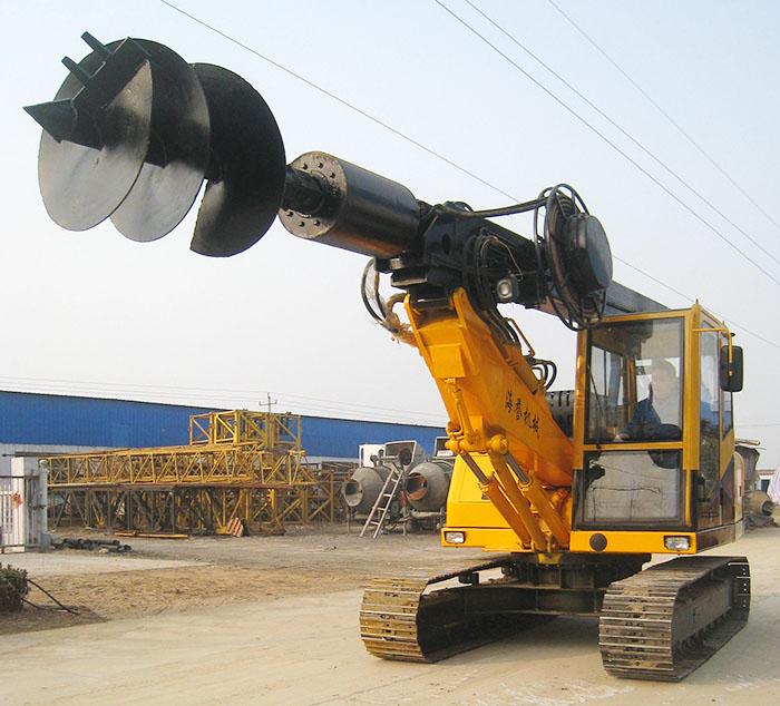 方杆履带旋挖钻机性能卓越,性价比高,是桩工机械的佼佼者