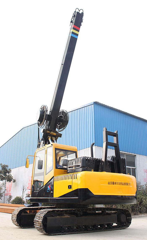 方杆履带旋挖钻机共三节钻杆钻孔深度6-20米